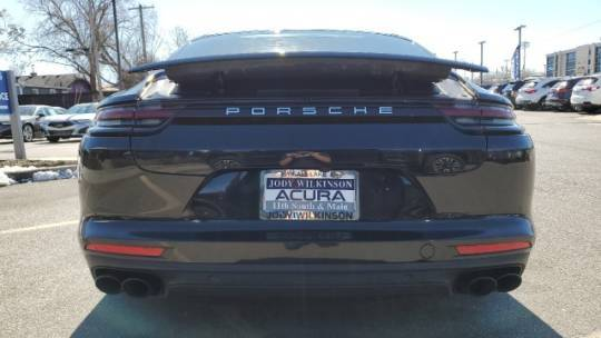 2018 Porsche Panamera WP0AE2A7XJL127884