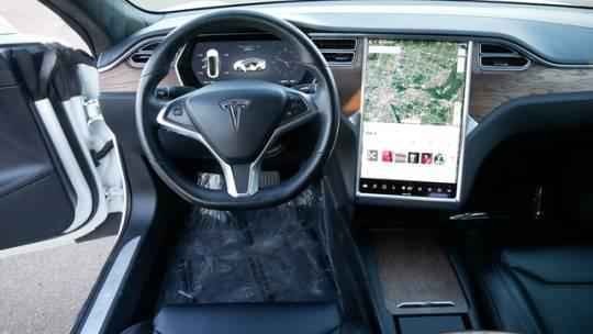 2017 Tesla Model S 5YJSA1E26HF231777