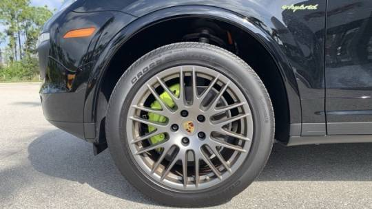 2018 Porsche Cayenne WP1AE2A22JLA72009