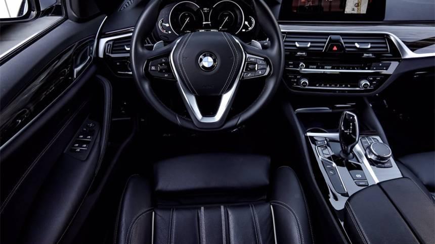 2018 BMW 5 Series WBAJA9C59JB249090