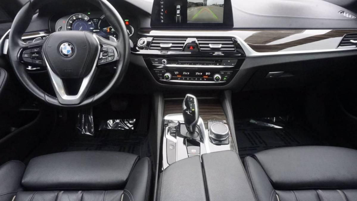 2018 BMW 5 Series WBAJA9C59JB033675