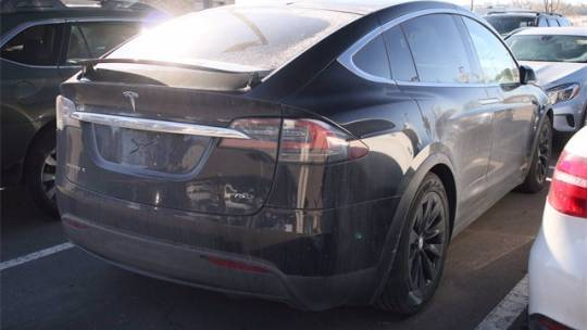 2018 Tesla Model X 5YJXCDE26JF117060