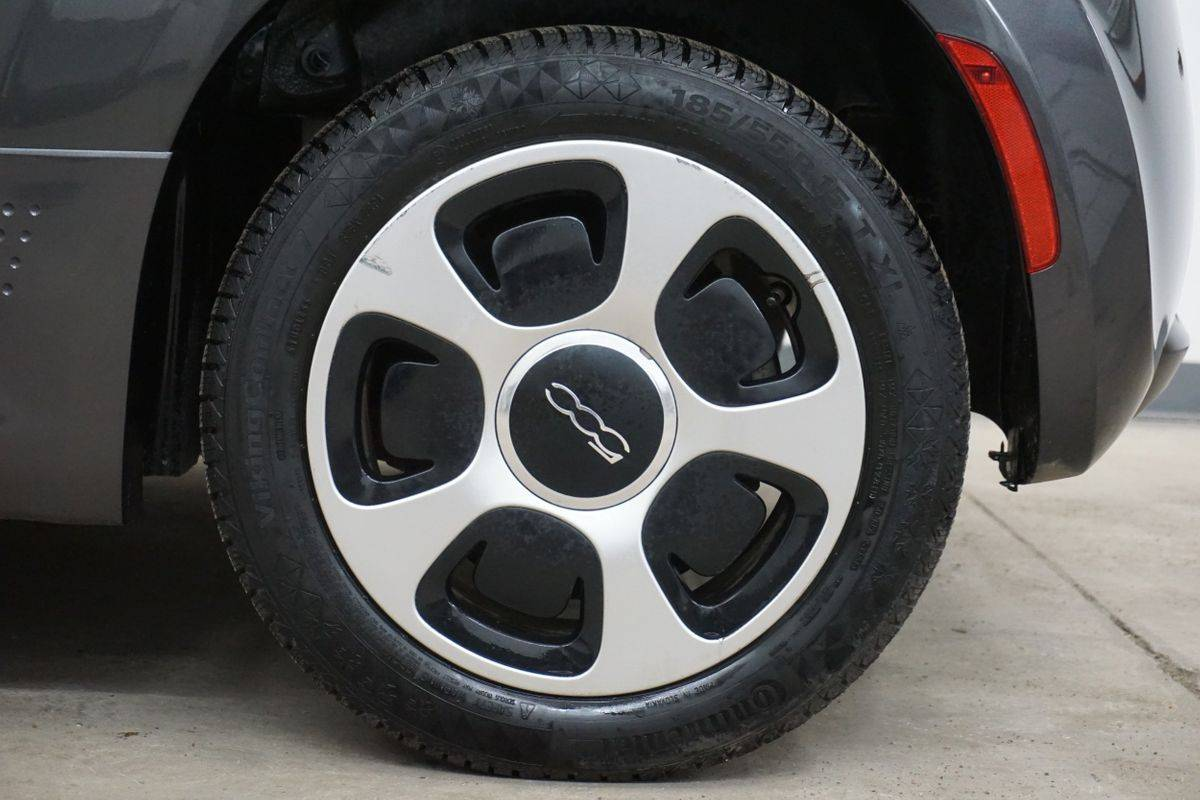 2015 Fiat 500e 3C3CFFGE5FT585786