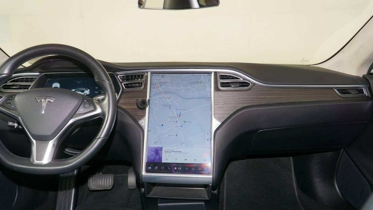 2016 Tesla Model S 5YJSA1E25GF141051
