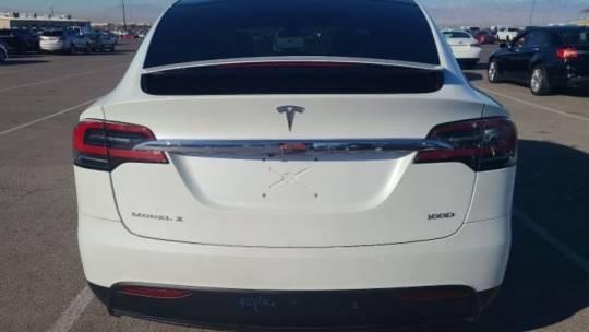 2019 Tesla Model X 5YJXCDE25KF151993