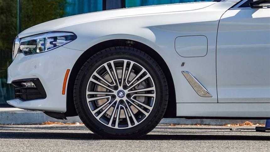 2018 BMW 5 Series WBAJA9C57JB249136
