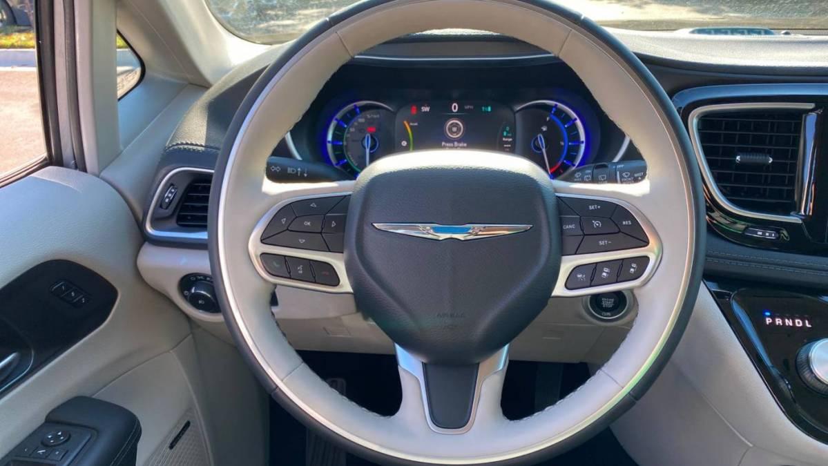 2020 Chrysler Pacifica Hybrid 2C4RC1N70LR277977