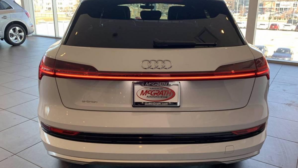 2019 Audi e-tron WA1LAAGEXKB023871