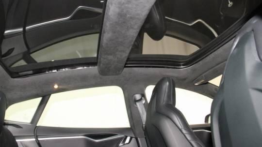 2016 Tesla Model S 5YJSA1E20GF157996