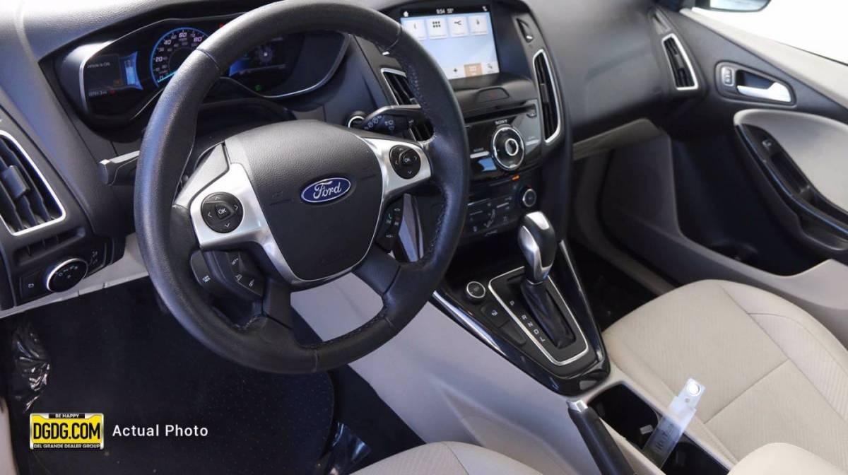 2017 Ford Focus 1FADP3R49HL224534