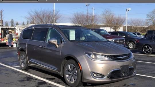 2018 Chrysler Pacifica Hybrid 2C4RC1N76JR159235