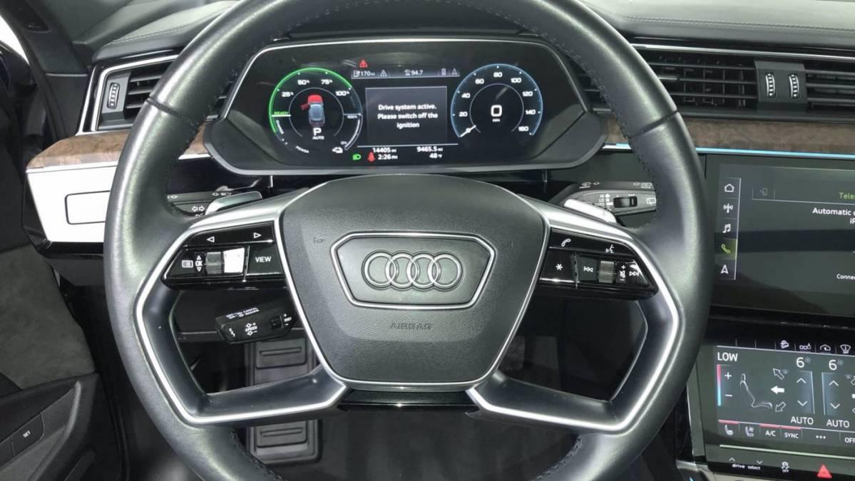 2019 Audi e-tron WA1VAAGE8KB013851