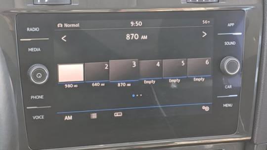 2018 Volkswagen e-Golf WVWKR7AU8JW907439
