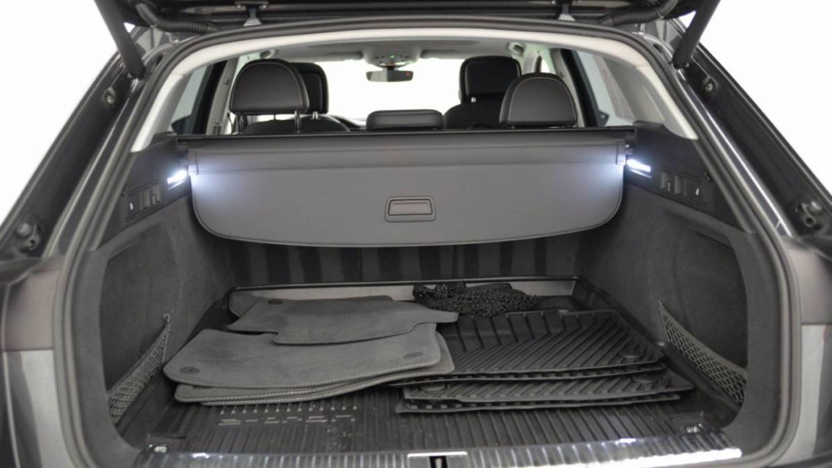 2019 Audi e-tron WA1VAAGE2KB021072
