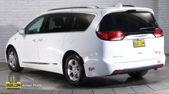 2018 Chrysler Pacifica Hybrid 2C4RC1N78JR358917