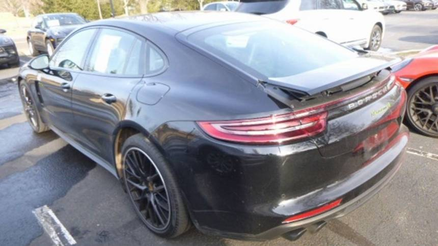 2018 Porsche Panamera WP0AE2A74JL130036