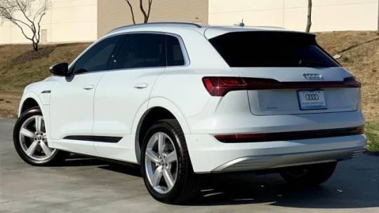 2019 Audi e-tron WA1LAAGE7KB022919