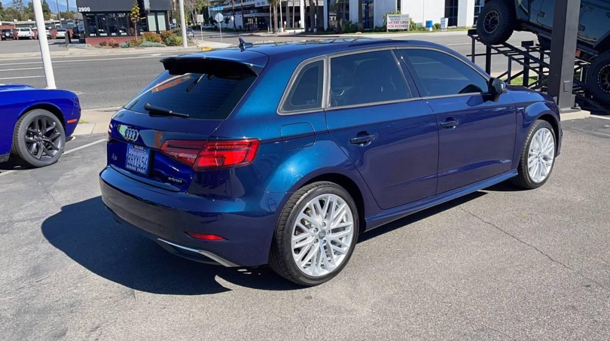 2018 Audi A3 Sportback e-tron WAUUPBFF2JA061654