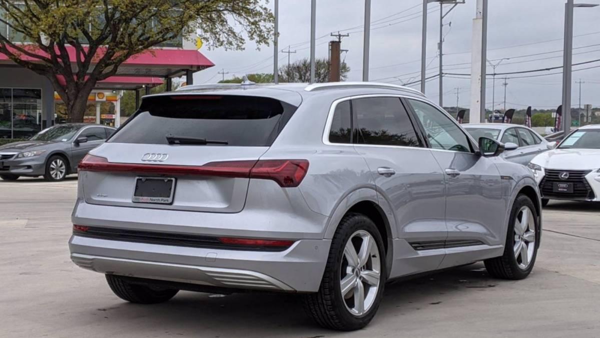 2019 Audi e-tron WA1VAAGE7KB021598
