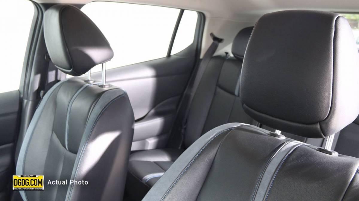 2018 Nissan LEAF 1N4AZ1CP5JC304052
