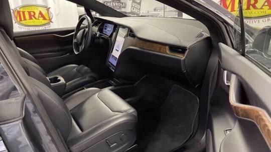 2018 Tesla Model X 5YJXCAE28JF122131