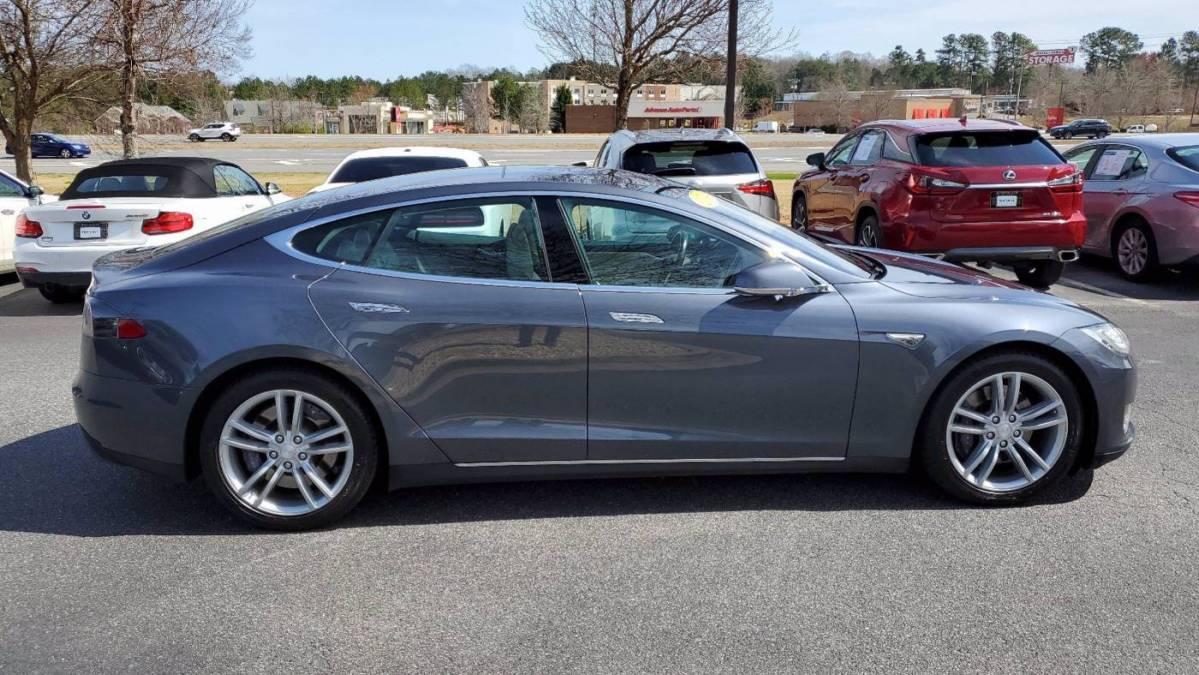 2014 Tesla Model S 5YJSA1H19EFP53687