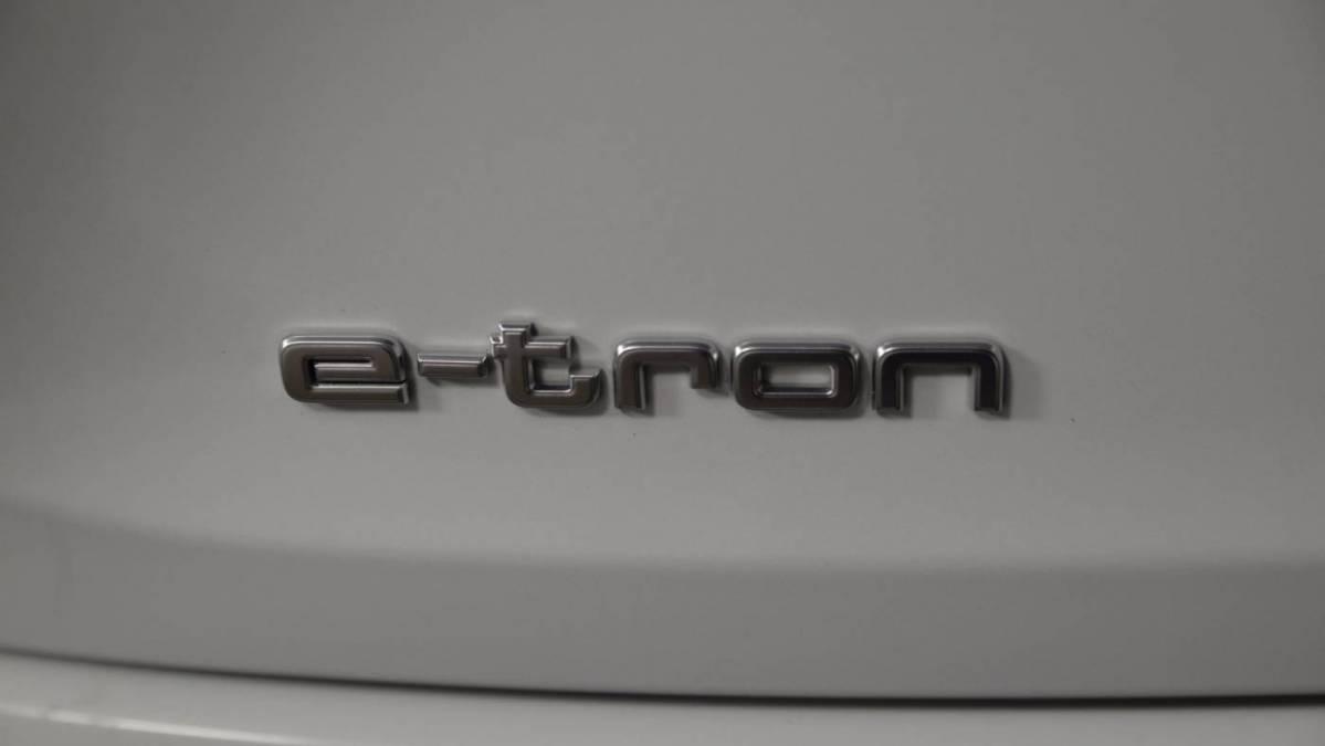 2019 Audi e-tron WA1VAAGE3KB024790