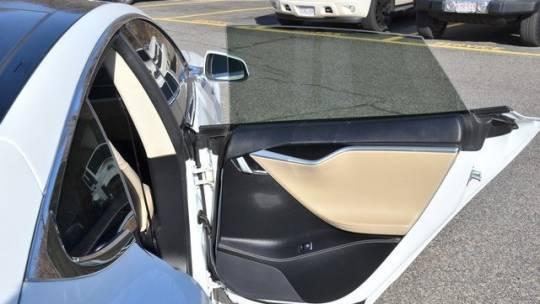 2015 Tesla Model S 5YJSA1E12FF113164