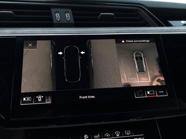 2019 Audi e-tron WA1VAAGE9KB008710