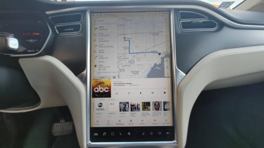 2018 Tesla Model X 5YJXCDE26JF088787