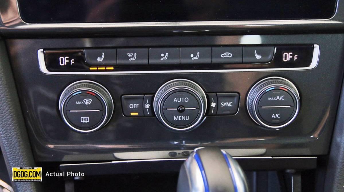 2019 Volkswagen e-Golf WVWKR7AU6KW910437