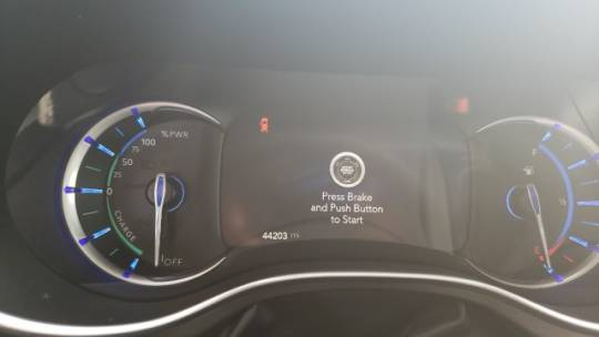2018 Chrysler Pacifica Hybrid 2C4RC1N79JR139738