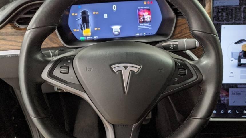 2018 Tesla Model X 5YJXCBE22JF100017