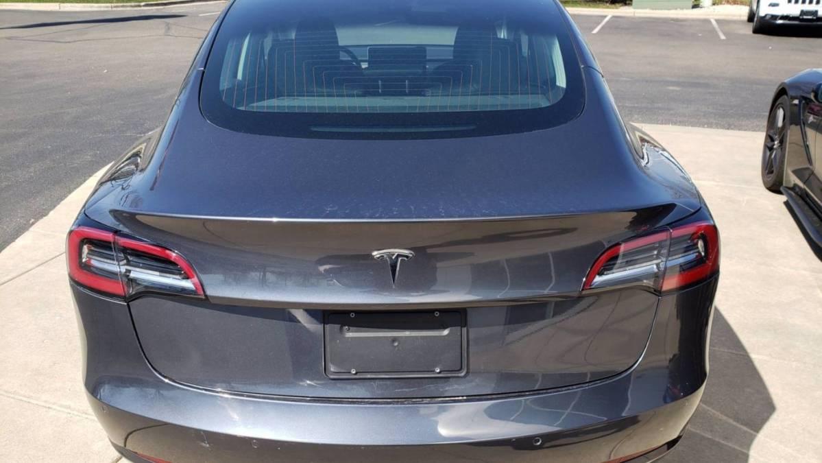 2019 Tesla Model 3 5YJ3E1EAXKF324275