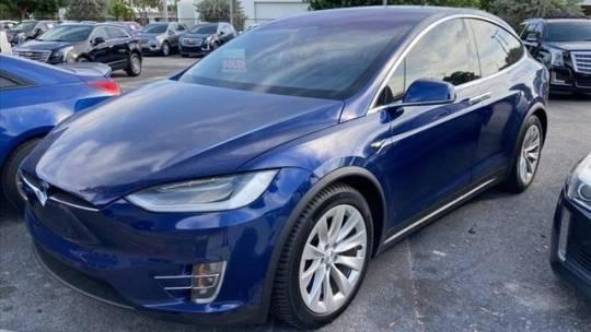 2018 Tesla Model X 5YJXCDE21JF108878