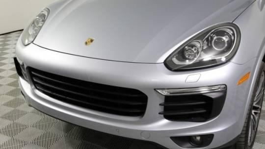 2017 Porsche Cayenne WP1AE2A28HLA75717