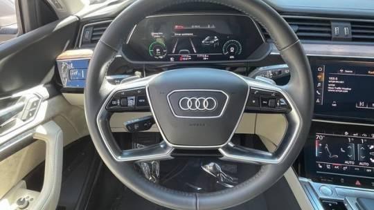 2019 Audi e-tron WA1VABGE8KB015816