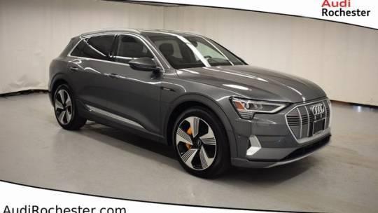 2019 Audi e-tron WA1VAAGE7KB007409