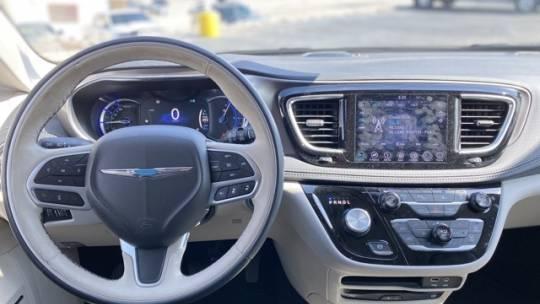 2018 Chrysler Pacifica Hybrid 2C4RC1N73JR145034