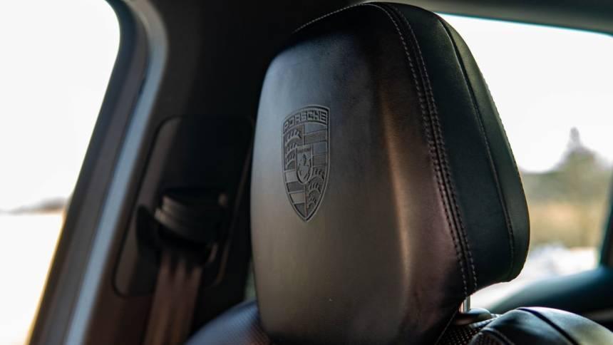 2017 Porsche Cayenne WP1AE2A29HLA74785