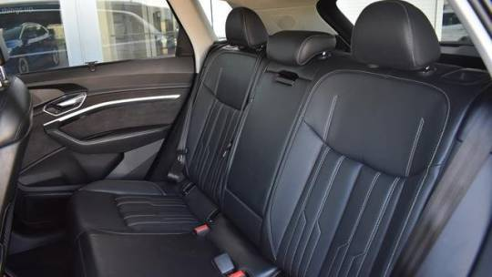 2019 Audi e-tron WA1VAAGE0KB010345