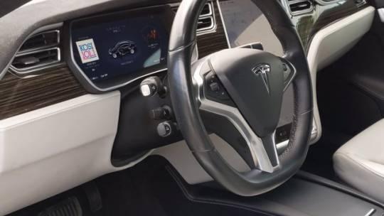 2016 Tesla Model S 5YJSA1E25GF146265