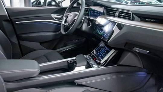2020 Audi e-tron WA12ABGE8LB036010