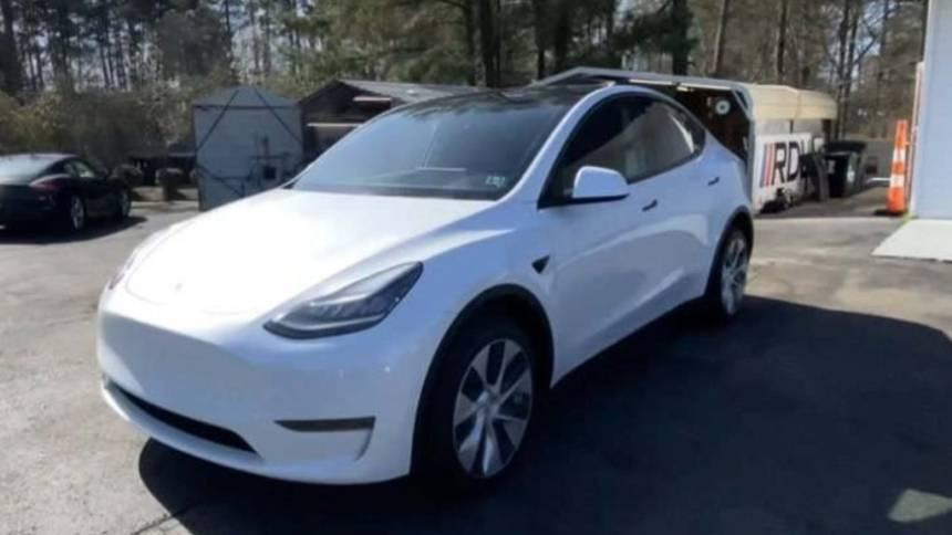 2020 Tesla Model Y 5YJYGDEE4LF038654