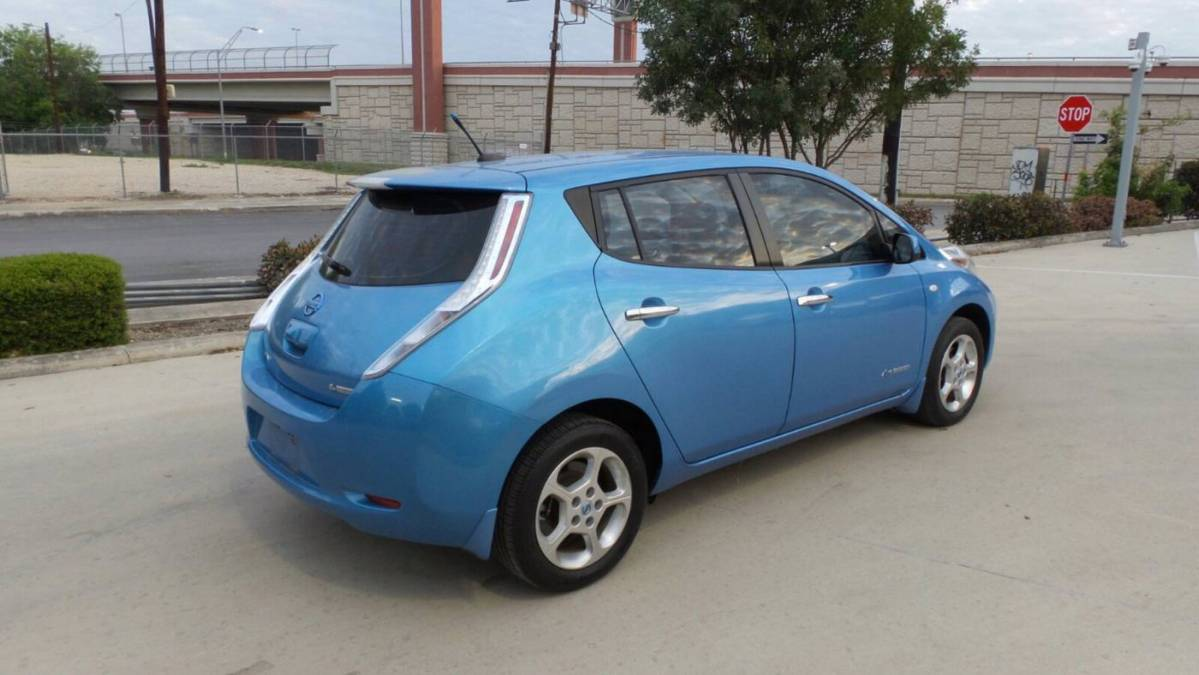 2011 Nissan LEAF JN1AZ0CP8BT005843