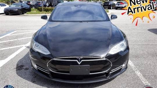 2016 Tesla Model S 5YJSA1E24GF127514