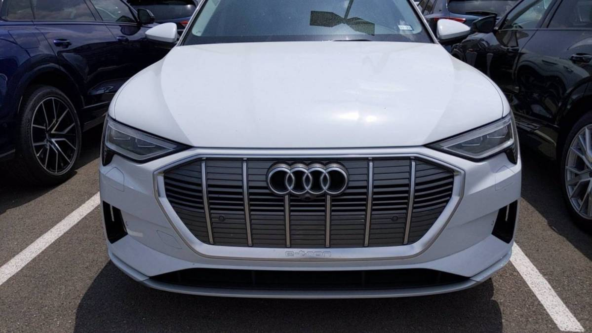 2021 Audi e-tron WA1LAAGE9MB011598