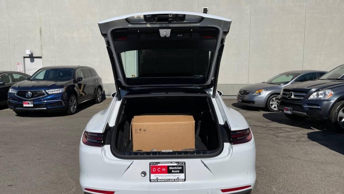 2018 Porsche Panamera WP0AE2A77JL130001