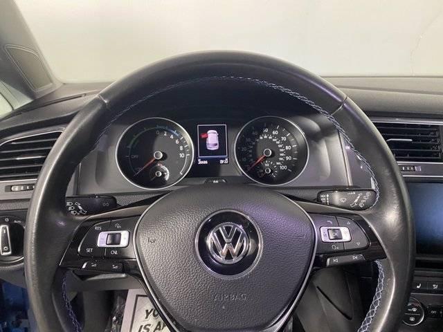 2016 Volkswagen e-Golf WVWPP7AU8GW913942