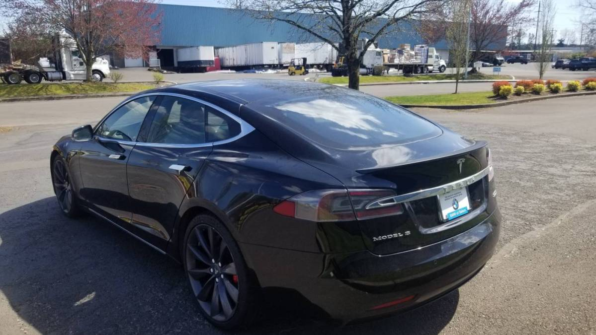 2016 Tesla Model S 5YJSA1E40GF148488